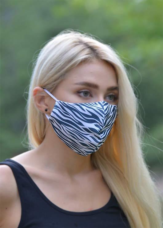 - Çift Katlı Boyundan Asmalı Yıkanabilir Bez Kadın Maskesi